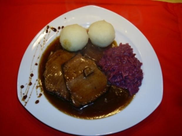 Sauerbraten in Rotwein-Balsamicomarinade eigelegt. - Rezept