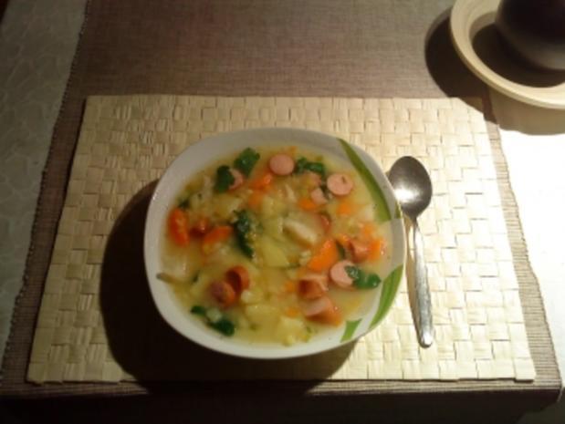 Einfache Kartoffelsuppe mit Würstchen - Rezept