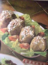 Gebackene Kartoffeln in der Schale mit Schinken und Käse - Rezept