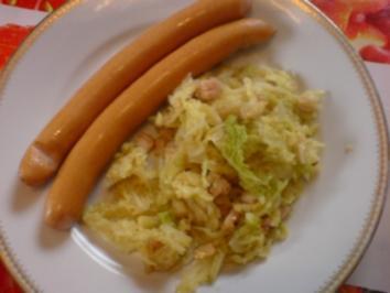Rezept: Wiener Würstchen mit Wirsinggemüse