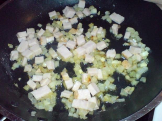 Wiener Würstchen mit Wirsinggemüse - Rezept