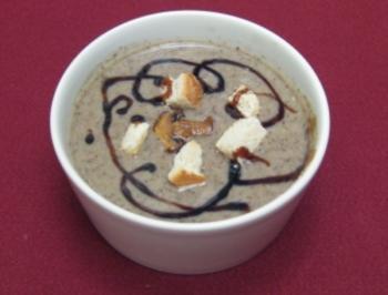 Champignonsuppe mit Croutons - Rezept
