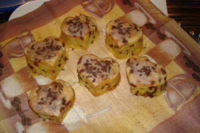 Eierlikör-Muffins mit Schokolade und Glasur - Rezept