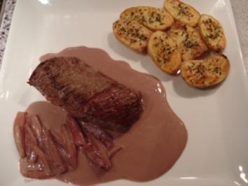 Straußenfilet an Schalotten-Rotwein-Soße mit Rosmarinkartöffelchen - Rezept