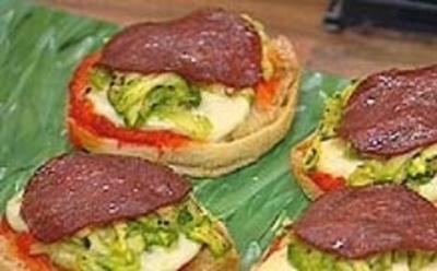 Blitz-Pizzen-Salami - Rezept