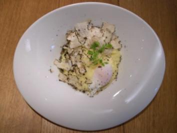 Kartoffelpüree mit pochiertem Zwerghuhnei und geriebenen Frühlingstrüffeln - Rezept
