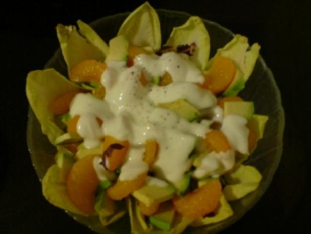 Chicoree-Avocado-Salat mit Orangenfilets - Rezept