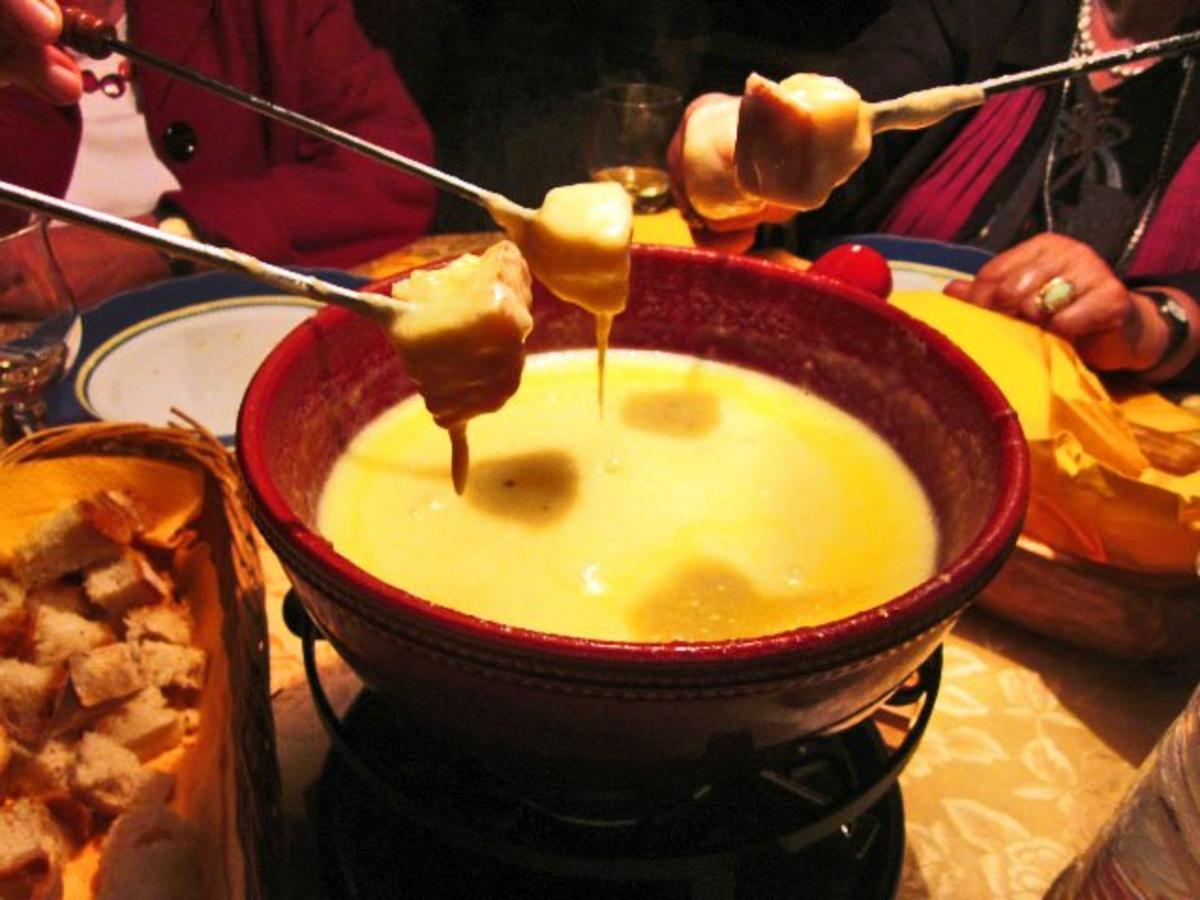 schweizer kaesefondue rezept mit bild kochbarde
