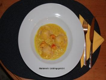 Ravioli mit Flusskrebs-Ricotta-Füllung und Kurkuma-Sahne-Sauce - Rezept