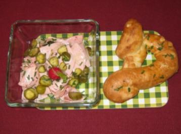 Laugengebäck und Wurstsalat - Bayerische MundART - Rezept