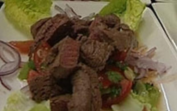 """One Moment in Bangkok"" Thaisalat mit Rindfleisch (Isabel Varell) - Rezept"