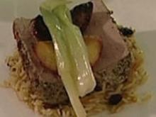 Schweinefilet in Kruste mit Balsamico-Pfirsichen (Barbara Eligmann) - Rezept