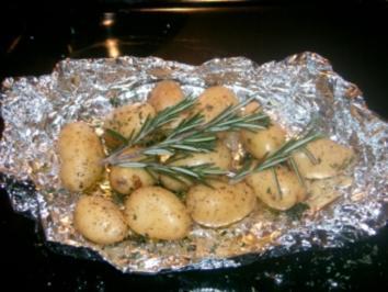 Putensteak mit Rosmarinkartoffeln und Pilzragout - Rezept