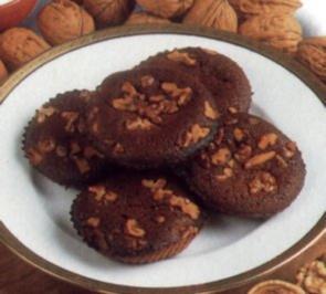 dessert schokoladenstuecke mit nuessen - Rezept