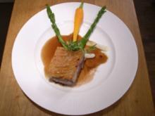 Lammrücken in Cassis-Soße dazu Frühlingsgemüse und Ziegenkäsegratin - Rezept