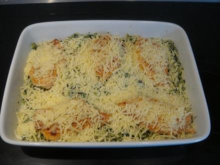 Auflauf: Hähnchenbrust auf Spinat-Reis mit Käse überbacken - Rezept