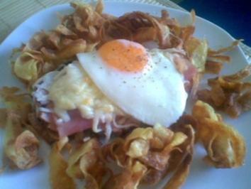 Überbackener Leberkäse im Kartoffelnest - Rezept