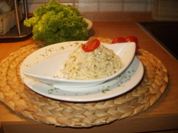Wenn sich die Nudel in die Salatsoße legt.... - Rezept