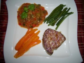 Thunfischsteak mit Tomaten-Kapern-Sauce - Rezept