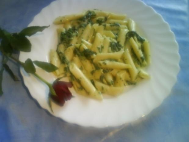 Penne mit Gorgonzola-Rahmspinat - Rezept