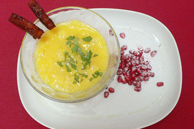 Orangensüppchen mit Granatapfel-Topping - Rezept