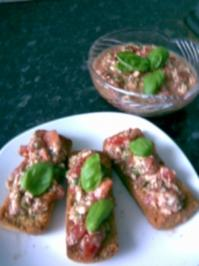 Basilikum trifft Mozzarella-Brotaufstrich - Rezept