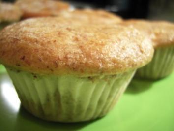 Rezept: Muffins: Apfel-Nuss mit Kokos-Creme-Füllung