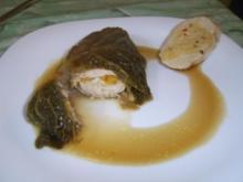 Gefüllte Hühnerbrust im Wirsingblatt - Rezept