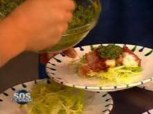 Seeteufel im Speckmantel an Salat mit Salsa Verde - Rezept