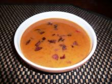 Rote Paprikasuppe mit Kabanossi - Rezept