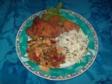 Putenschnitzel mit Zwiebel-Paprika-Gemüse und Basmati-Wildreis - Rezept