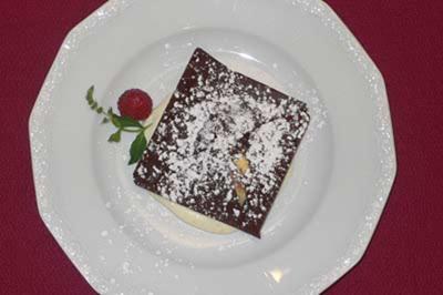 Dépêche aus Ceylon Weiße und dunkle Mousse au Chocolat auf Vanilleschaum - Rezept