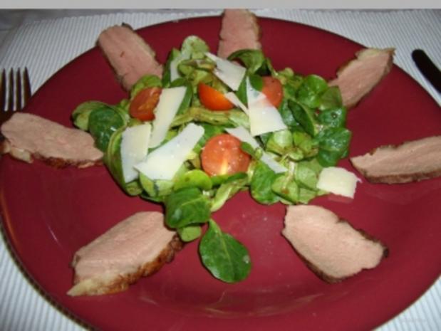 Entenbrust auf Feldsalat mit Balsamico-Orangen-Vinegraitte - Rezept