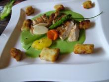 Gegrillte Hühnerbrüste in Kräutermarinade und Parmesan-Gnocchi - Rezept