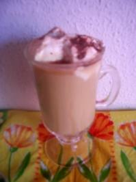 Eierlikör-Kaffee mit Sahnehaube - Rezept