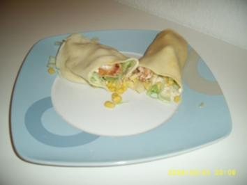 Rezept: Crepes mit Hähnchenbrust, Eisbergsalat und Mais