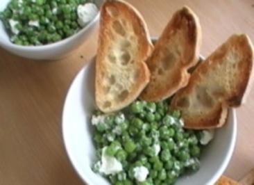 Erbsen mit Minze und Feta - Rezept