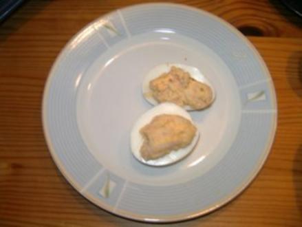 Gefüllte Eier mit Lachs und Krabben - Rezept