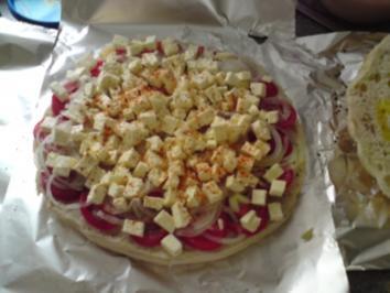 Gefülltes Fladenbrot mit Tomaten und Schafskäse - Rezept