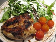 Zitronen-Kräuter-Huhn mit geschmorten Tomaten und Salatbeilage - Rezept