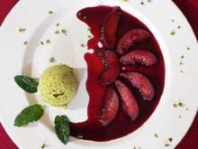 Pfirsich in Rotwein mit Pistazieneis - Rezept