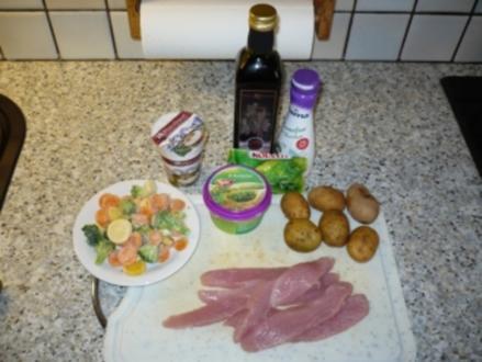 Putenstreifen mit Dillsoße, Kräuterkartoffeln und Gemüse - Rezept