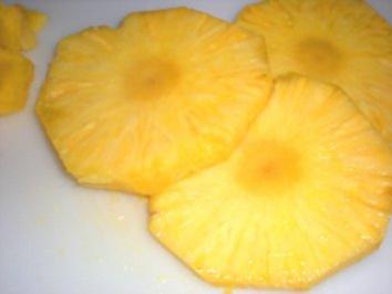 Rezept: DESSERT:  Ananas mit Coco-Haube