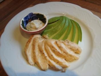 Vorspeise - Hähnchen Brustfilet mit Avocado und Kräuter-Mayonaise - Rezept