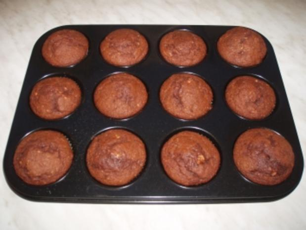 bananen haselnuss muffins rezept mit bild. Black Bedroom Furniture Sets. Home Design Ideas