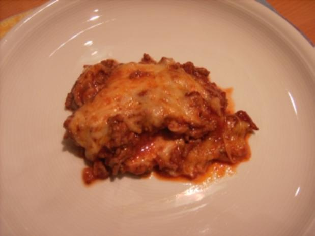 Schnitzel mit Gehacktes-Soße - Rezept