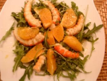 Rezept: Rucolasalat mit Garnelen und Orangenscheibchen