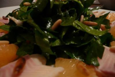 Spinatsalat mit Pink Grapefruit - Rezept