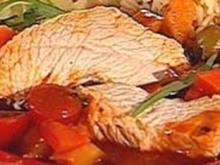 Putenbrust in Tomaten-Estragon-Fond - Rezept