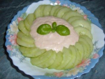 Salat : Zwiebelsoße - Rezept